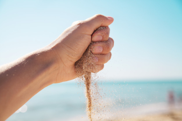 Бурение скважины на побережье по песку